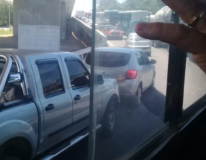 Manutenção em semáforo congestiona trânsito na Segunda Ponte