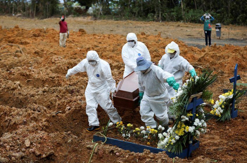 Brasil registra 2.216 mortes nas últimas 24 horas