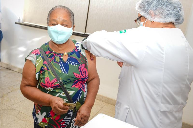 ES tem 28,19% da população vacinada com a primeira dose contra a Covid-19