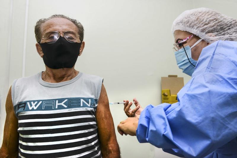 ES tem 11,36% da população vacinada contra a Covid-19 com as duas doses
