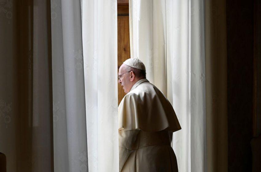 Papa revisa lei da Igreja Católica e amplia regras contra abuso sexual