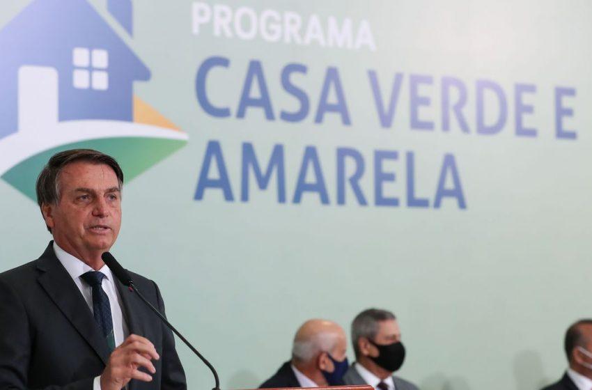 Bolsonaro entrega casas em São Mateus, norte do ES