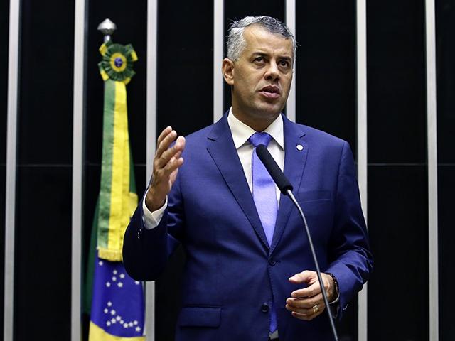 Fiel a Bolsonaro, Evair de Melo surge como possível ministro, mas nega tratar do assunto