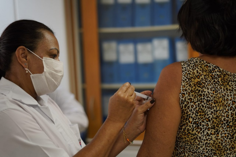 ES tem 29,79% da população vacinada com a primeira dose contra a Covid-19