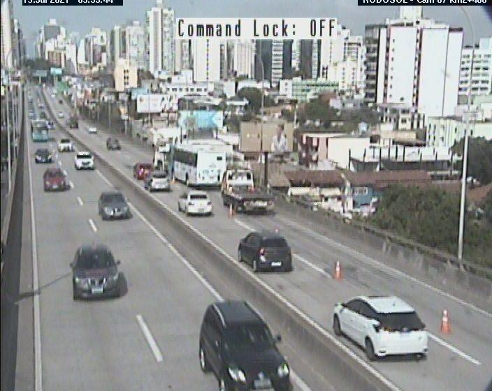 Ônibus quebra e trânsito fica lento na Terceira Ponte na manhã desta segunda (19)