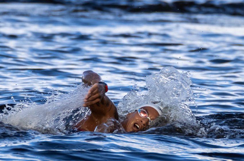 Ana Marcela Cunha conquista medalha de ouro na maratona aquática