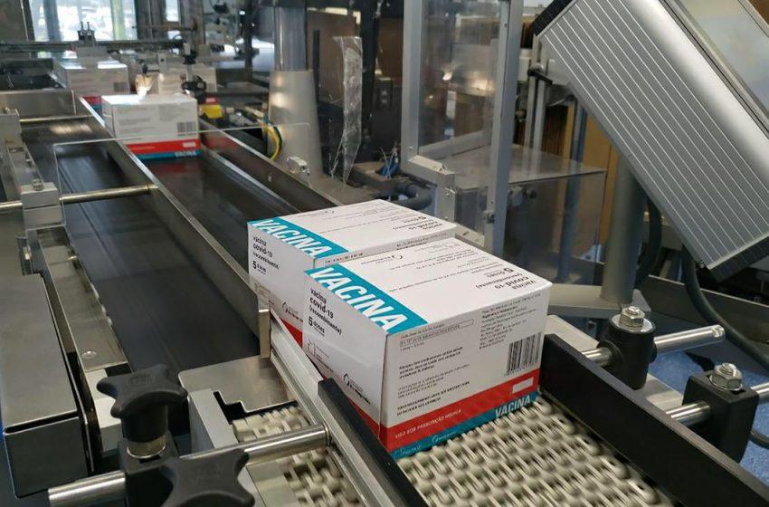 Mais 1,7 milhão: Fiocruz volta a entregar doses da vacina contra a Covid-19