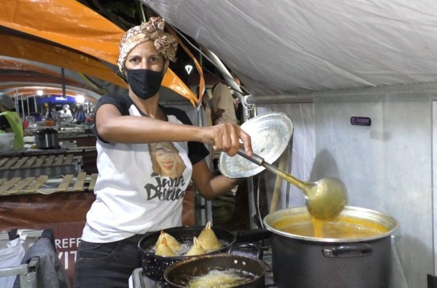 [Vídeo] Vitória 470 anos: Festival Mariscada começa com muito samba e comidas típicas