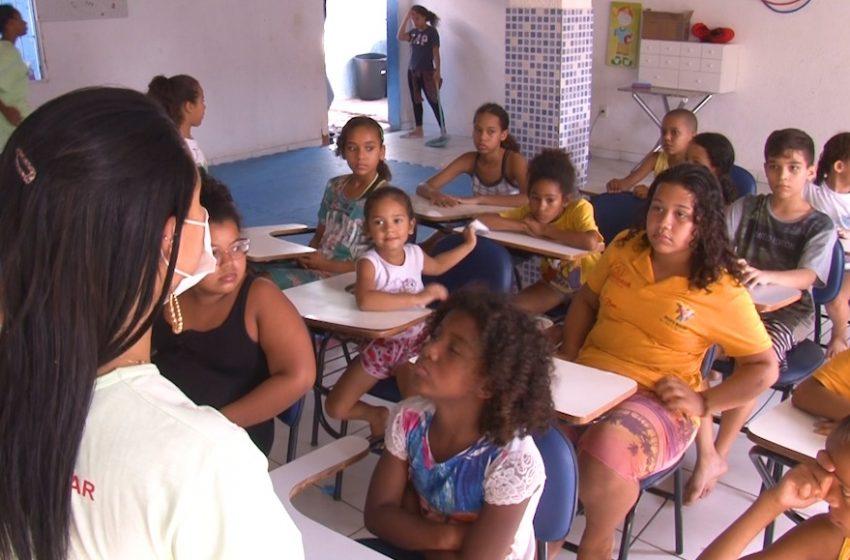 [Vídeo] Recriar é viver: projeto social melhora a vida das crianças e suas famílias em Vila Velha