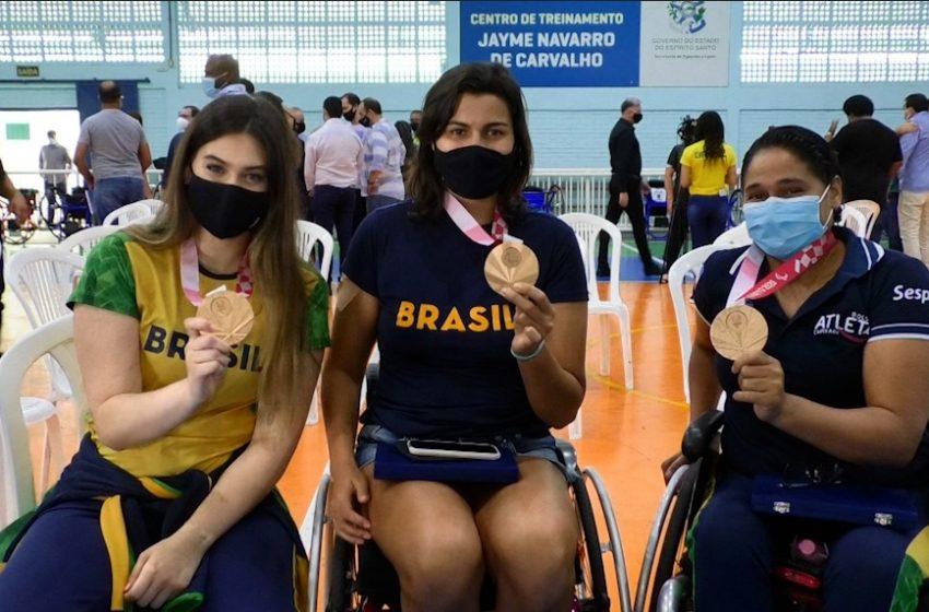 [Vídeo] Medalhistas do ES nas Paralimpíadas de Tóquio 2020 são homenageadas