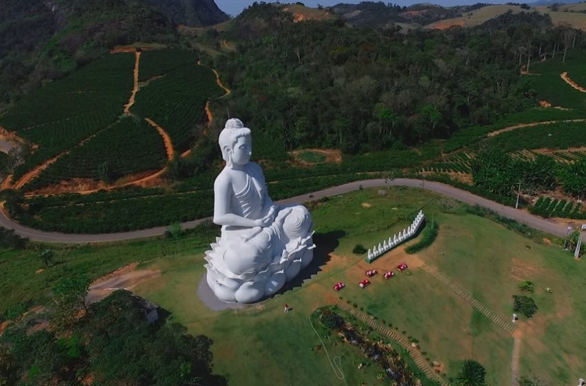 [Vídeo] A segunda maior estátua de Buda do mundo se torna atração turística no ES