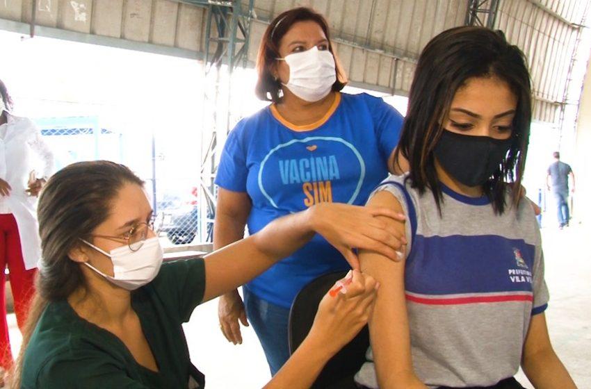 [Vídeo] Vila Velha realiza primeiro mutirão de vacinação em escola municipal para adolescentes de 12 a 17 anos
