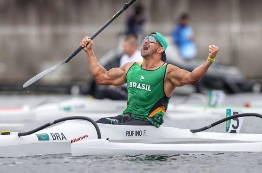 Tóquio 2020: Fernando Rufino conquista ouro na canoagem