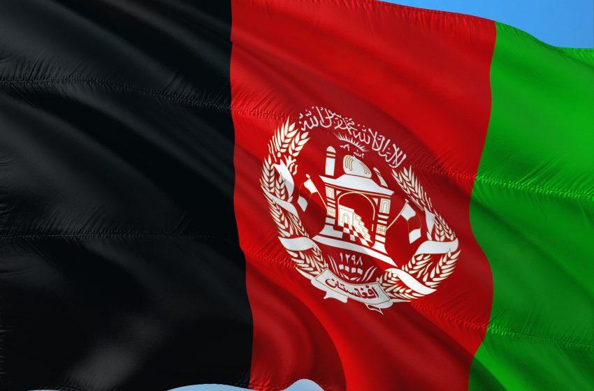 Talibã nomeia comandantes radicais para ministérios da Defesa e Interior no Afeganistão
