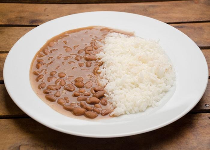 Deputados aprovam urgência na tramitação de projeto que isenta arroz e feijão de ICMS no ES