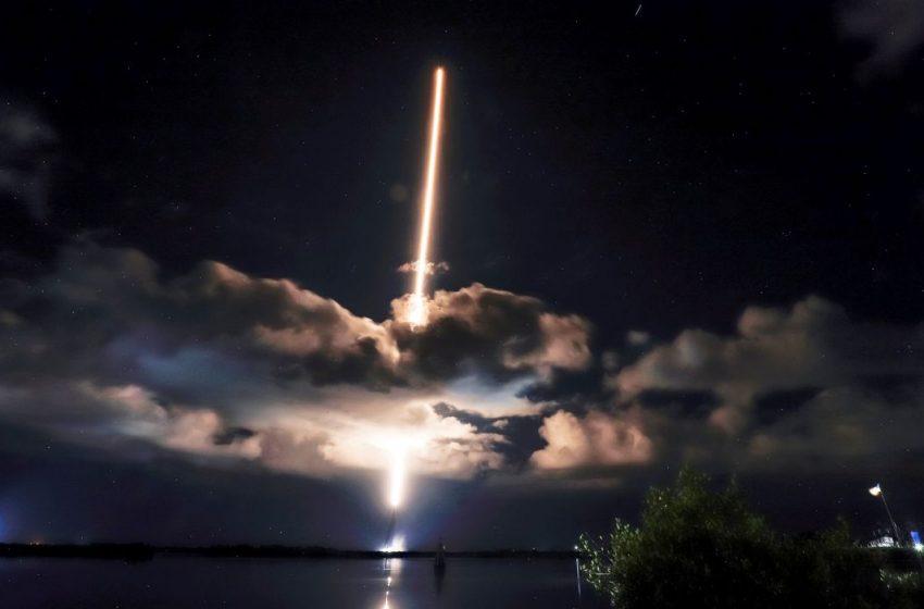 """Nasa lança sonda para estudar asteróides """"troianos"""" em Júpiter"""