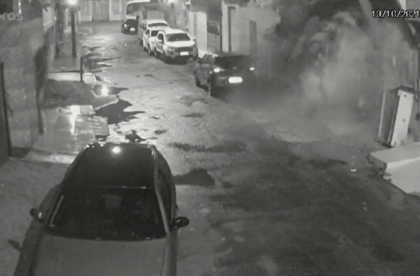 Prédio abandonado desaba durante madrugada em Vila Velha