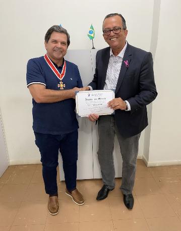 Empresário linharense Valdir Massucatti recebe Comenda Silvio Cola, da Câmara de Vitória